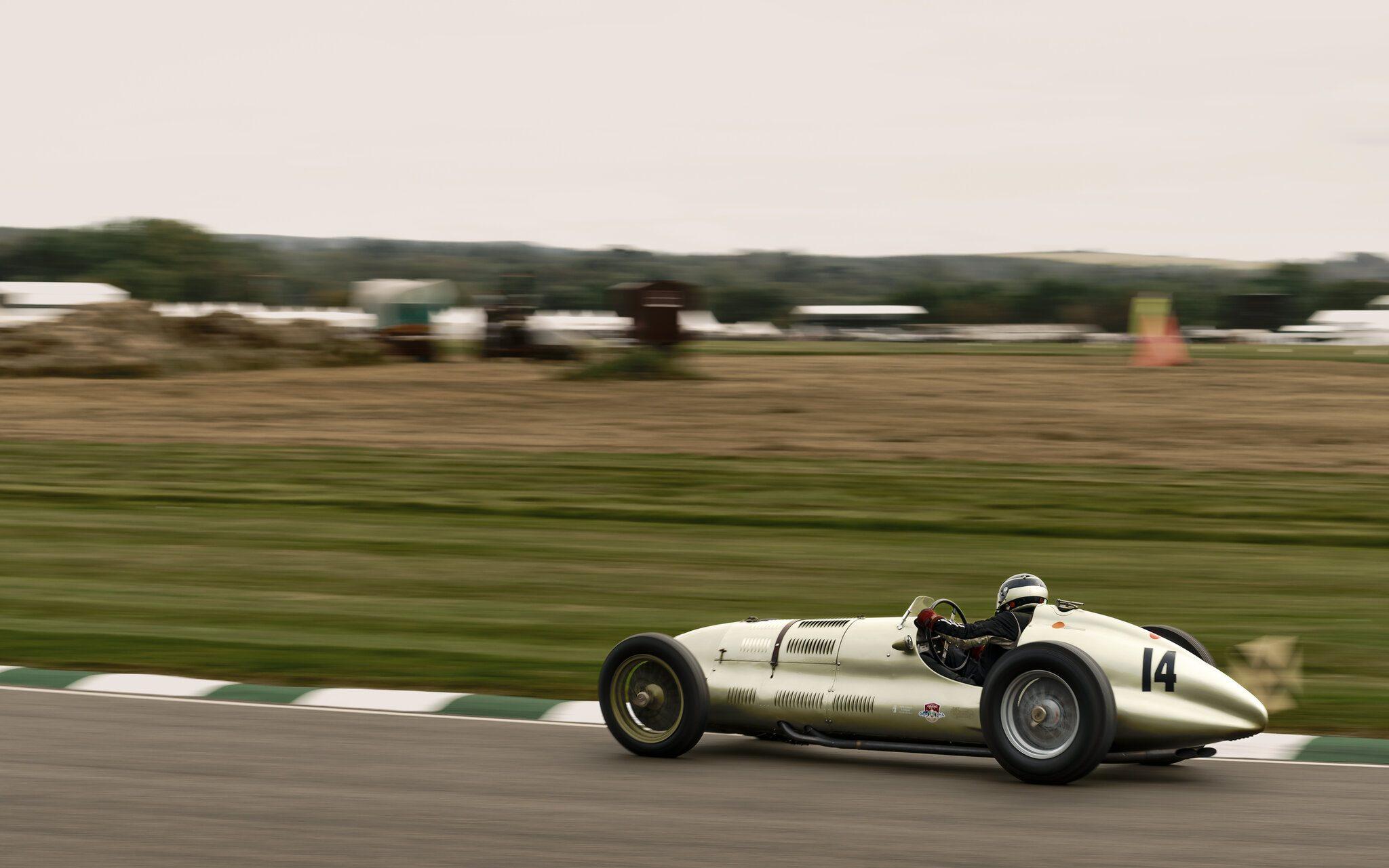1938 ERA E-type GP1.jpg
