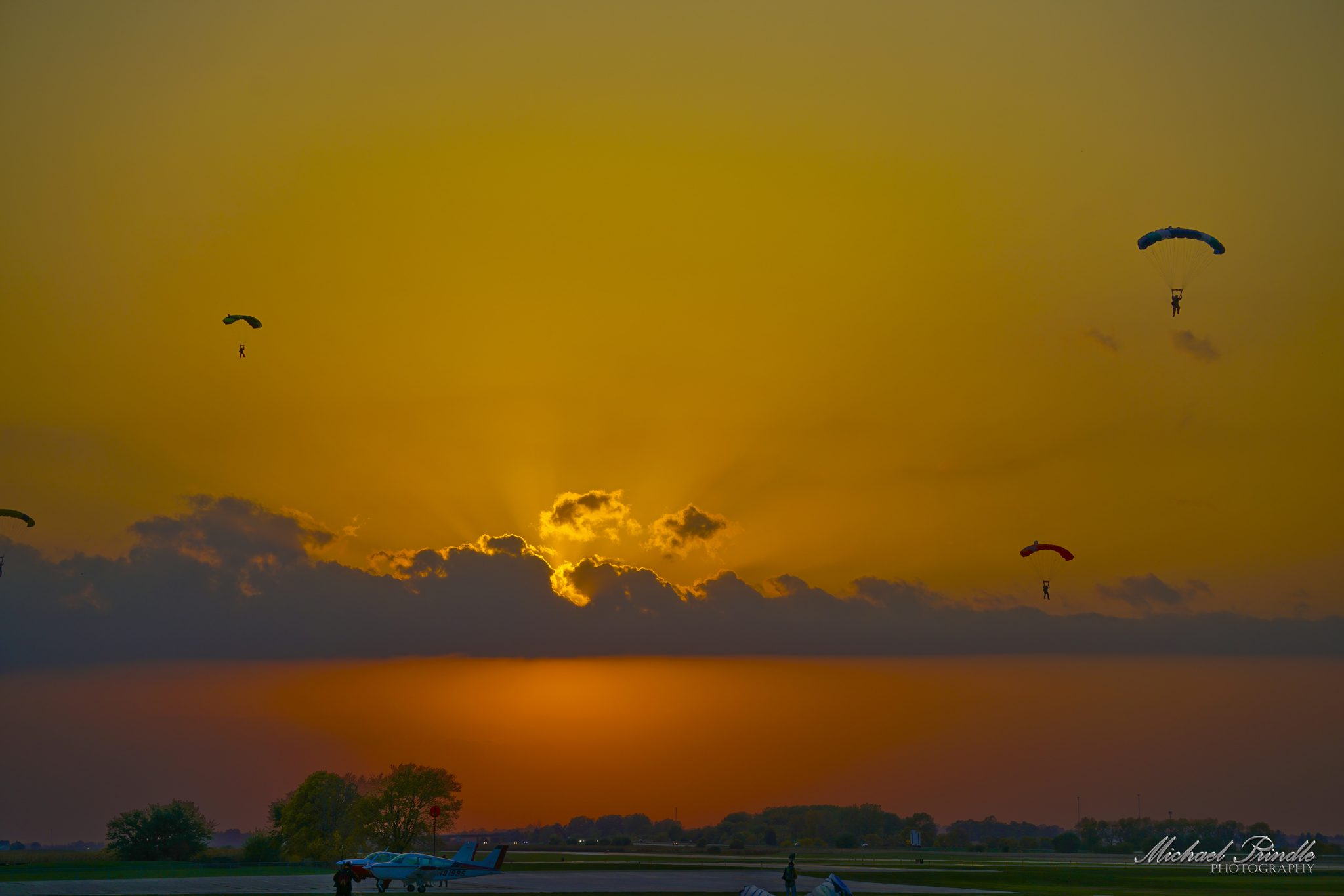 _DSC10202 Sunset Jumpers-sign 2048px.jpg