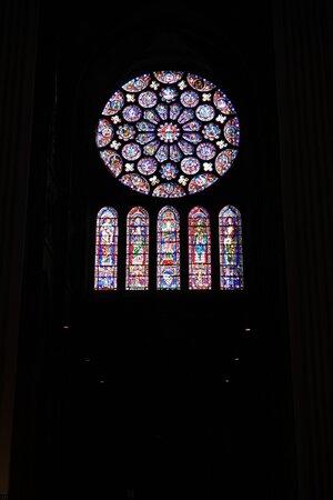 South transept rose window, c.1221–1230.jpg