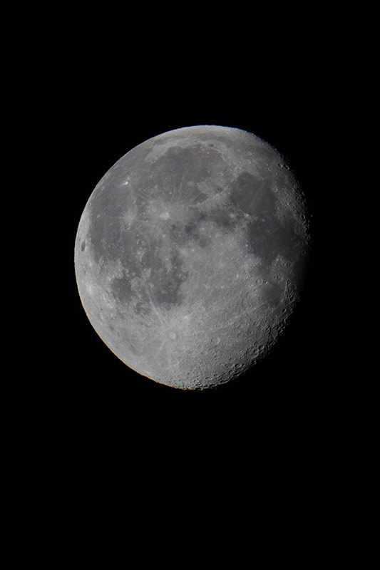 Sony a7RIV Sample Image Moon