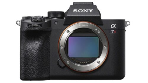 Save £500 on the Sony a7R IV