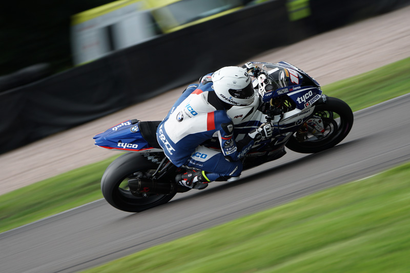 BMW Superbike taken with Sony a6500 and SEL100400GM Lens