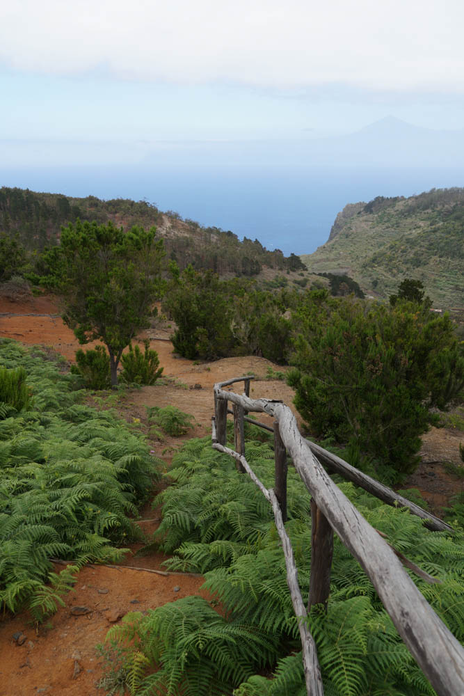 Sony SEL18135 Sample - Mount Teide from La Gomera