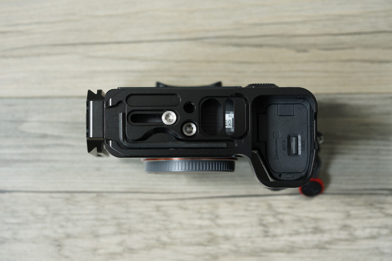 smallrig-l-bracket-a9-bottom