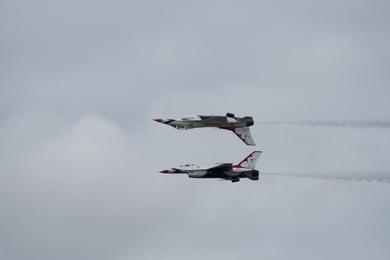US Thunderbirds Jet taken with Sony a6500 and SEL70300G Lens